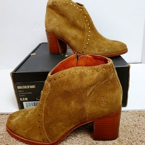 Frye Nora studded bootie, size 6.5, sand.